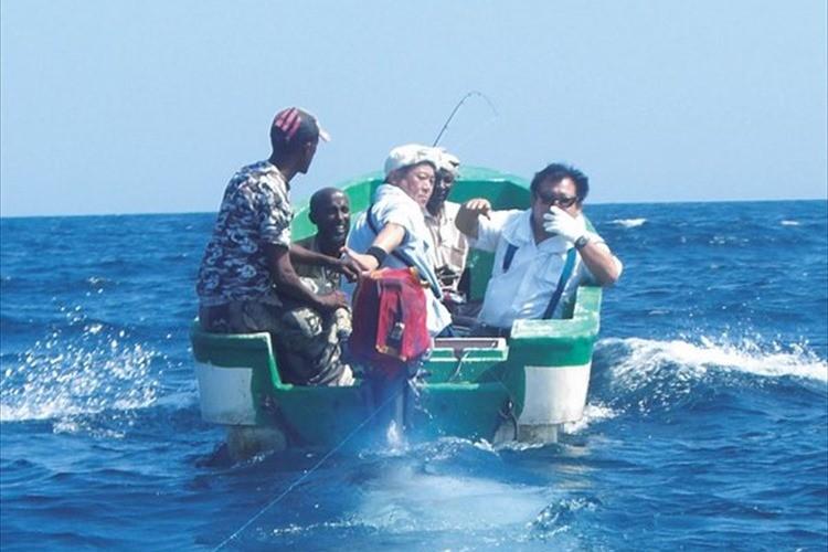 """「すしざんまい」の社長が""""ソマリア沖の海賊を壊滅させた話""""が素晴らしいと話題に!"""