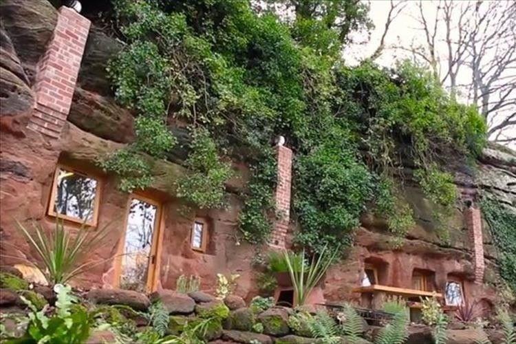 """電気・水道・Wi-Fiも完備!""""700年前の砂岩の洞窟に作られた家""""が素敵だと話題に!"""