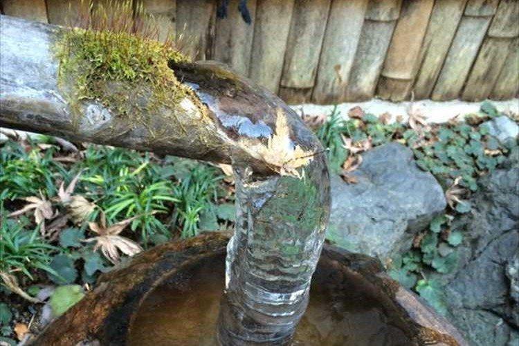 寒波襲来!鹿威しが凍って「い・ろ・は・す」のペットボトルみたいになった!