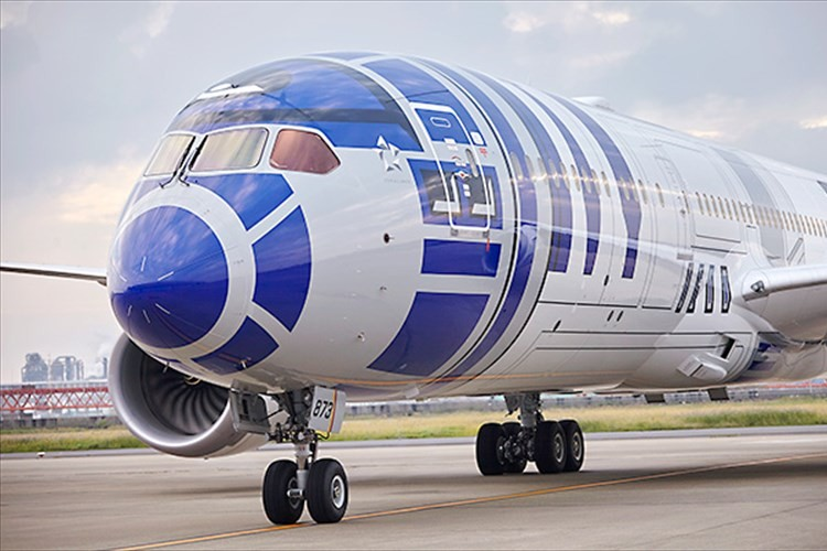 スター・ウォーズの壁紙も!R2-D2™に乗って空へ、今度はビジネスクラスにご招待