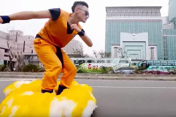 「筋斗雲よーい!」台北の街を颯爽と走る姿に子どもたちもびっくり!
