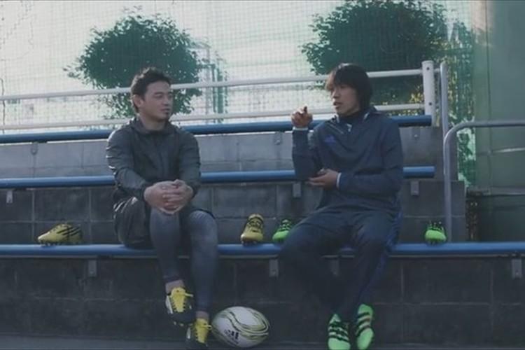 【動画】中村俊輔&五郎丸歩が初共演!中村選手は初めてラグビーボールを蹴る!