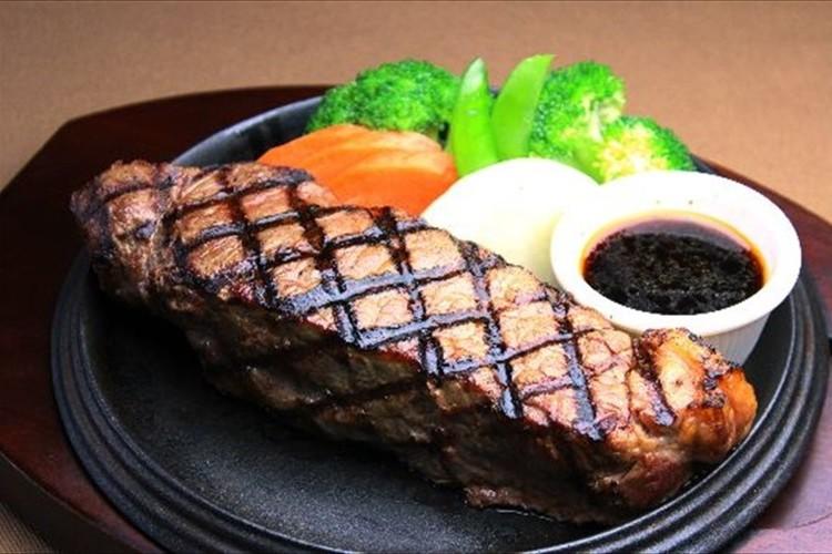 """肉好きに朗報!""""4年に1度の肉の日""""を記念して、あちこちでアツい企画が!"""