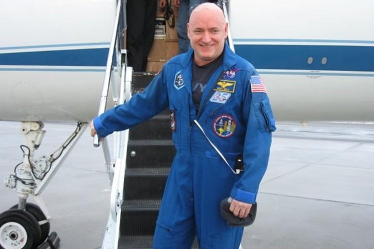 """約1年ぶりにISSから帰ってきた米・宇宙飛行士""""スコット・ケリー""""が撮った最高の写真"""
