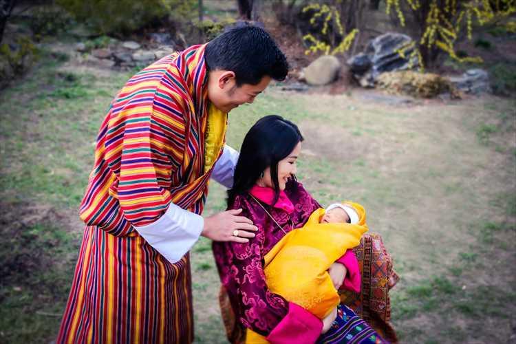 国民に愛されるブータン王室に待望の男児誕生!10万8千本の植林で祝福される