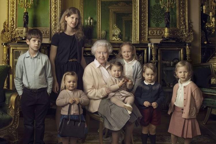 【祝】エリザベス女王90歳!即位65年間の軌跡を写真で見てみる。