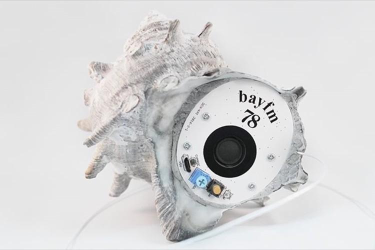 """""""サザエの貝殻""""で作った新感覚ラジオ「SAZAE RADIO」が話題に!【bayfm】"""