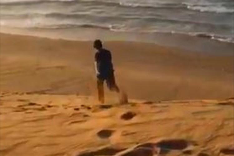 海まで近いようで遠すぎ!鳥取砂丘を駆け下りる動画が視覚のトリックだと話題に!