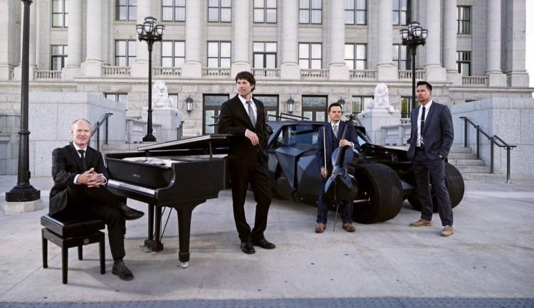 知ってますか?世界中で5,000万回再生されたピアノ1台だけで弾く大人気グループ!!