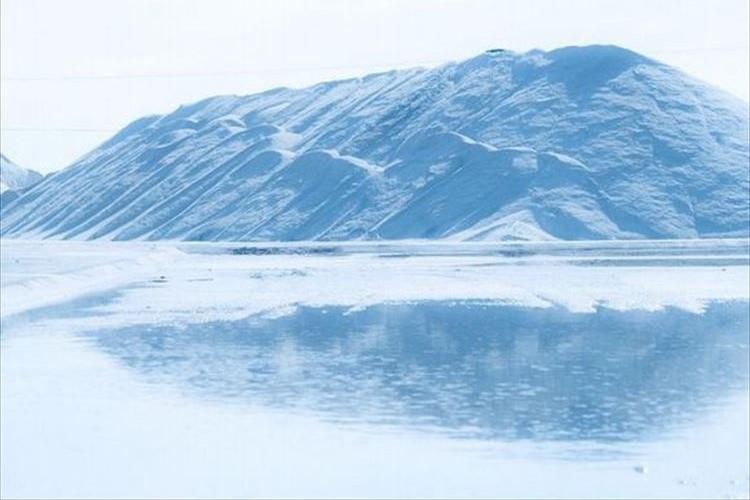 秘密の場所!?ネットで話題の「ミイケ塩湖」の写真が美しすぎて二度見しちゃう!!