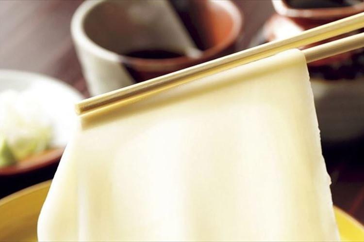 【毎月11日は麺の日】幅10cm越えにA4サイズまで!?桐生のひもかわうどんが面白美味しい。