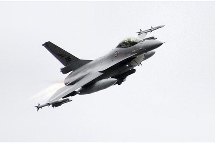 F16戦闘機が医療機器を緊急輸送!患者の命を救った! ノルウェーでの出来事