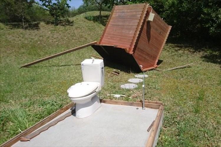 「トイレの小屋だけが…」「布団がふっとんだ」等…強風の凄まじさを物語る投稿集