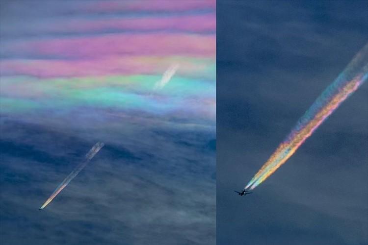 """【決定的瞬間】彩雲をくぐり抜けた飛行機が""""5色の雲""""をひいて飛んでいく光景"""