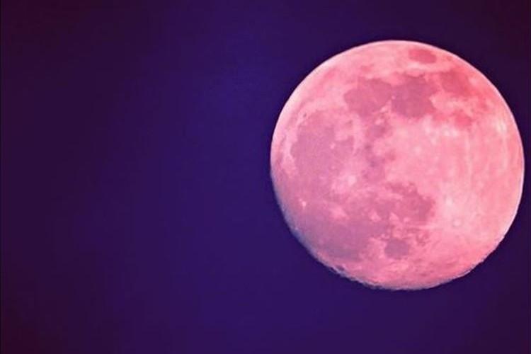 """6月20日は幸運を呼ぶ赤い満月""""ストロベリームーン""""が見れる!!"""