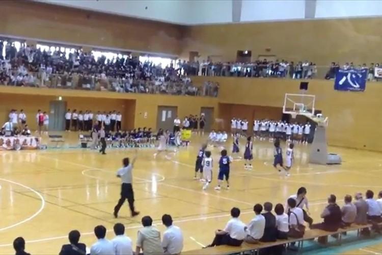 【動画】残り0.9秒で起きた奇跡! ドラマチックな大逆転勝利が話題に! 高校バスケ