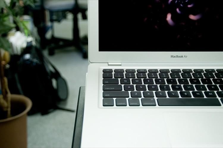 PCのパスワードを3回ミスで犯人を撮影するように設定→思わぬ犯人が写っていた!