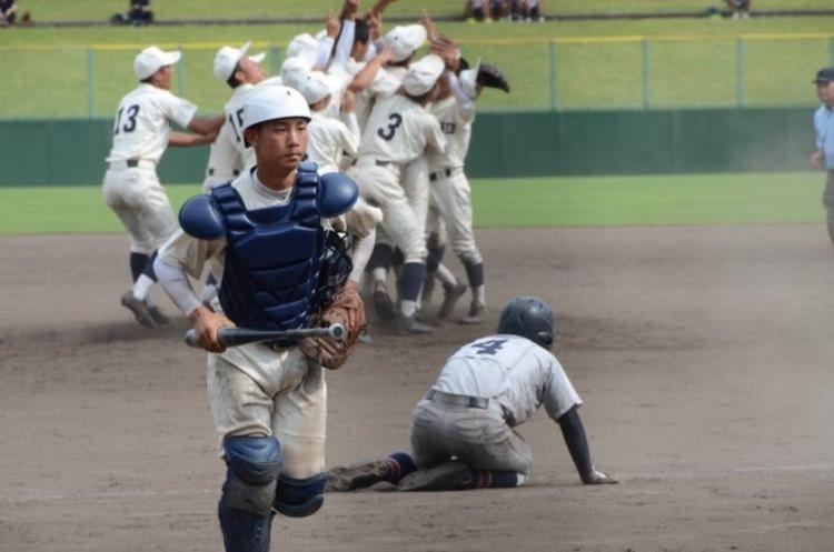 甲子園出場を決めた歓喜の瞬間、勝利チームのキャッチャーの行動に称賛の声