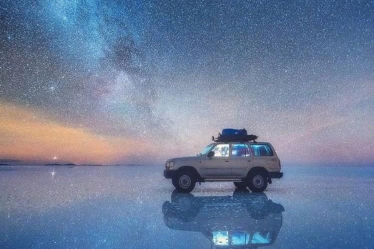 【超絶景】夜のウユニ塩湖に広がる天の川、一生に一度は見てみたい極上の景色