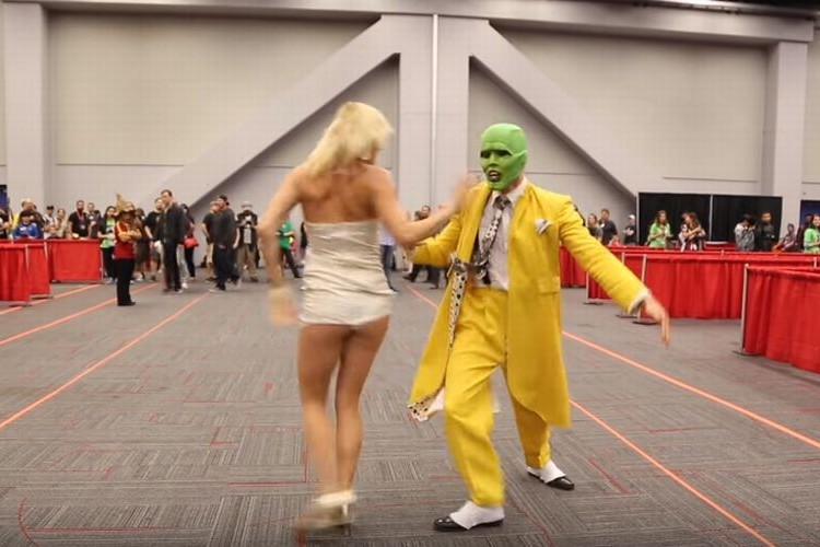 映画「マスク」の華麗なダンスシーンを完全再現したコスプレイヤーが凄い!