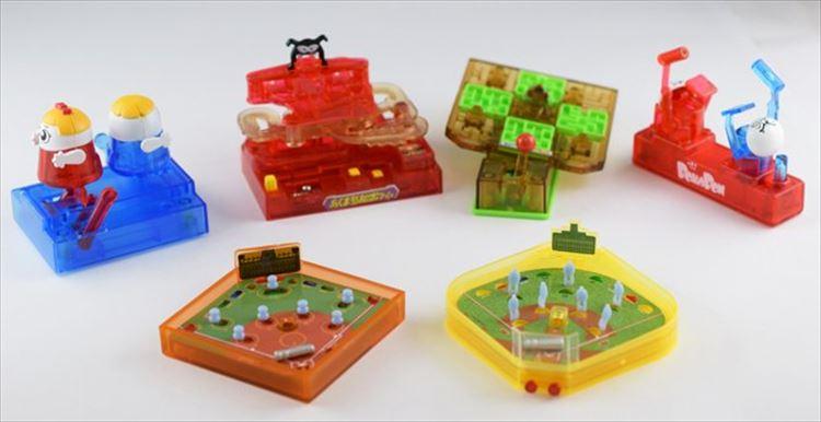 超ちっちゃ!昔遊んだ懐かしいゲームがガチャガチャになって登場!しかも実際に遊べるらしい…