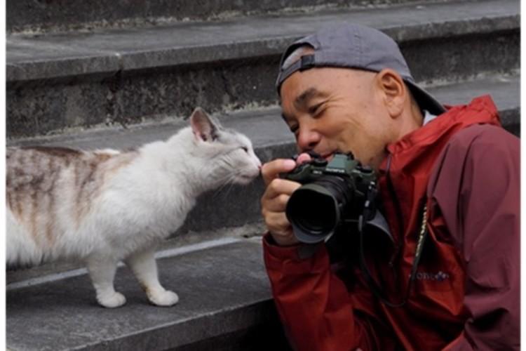 動物写真家の岩合光昭のねこの切手セットや通帳ケースが郵便局から発売!