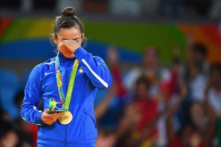 「たとえ紛争を経験しても夢は叶う」柔道女子・金メダルのケルメンディが号泣