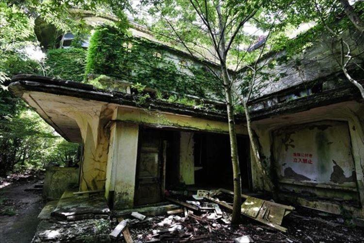 廃墟マニアに人気の「軍艦ホテル」が公開へ! ハイキングルートとして見学可能に