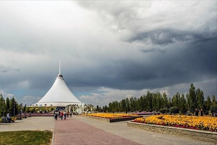 【動画】人類は監視されているのか!? カザフスタン上空に「神の目」の様な雲が!