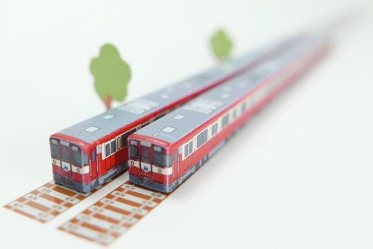 これ欲しい!西武9000系電車「幸運の赤い電車」がお箸に…!