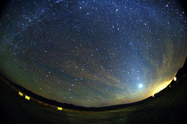 秋の夜空に願いを込めて…年に一度のオリオン座流星群、今年は10月21日に極大