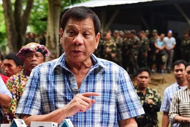 """世界の関心を集めるドゥテルテ大統領""""フィリピン全土の禁煙""""を宣言! 車内も禁煙へ"""