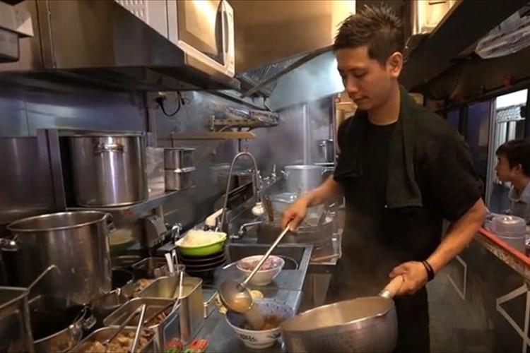 """日本のラーメン屋""""麺心國もと""""店主の一杯にかける情熱とハードワークっぷりが海外で話題に!"""