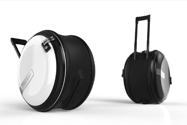 【世界初】丸型スーツケース「Snail」が長崎で開発!デコボコ道をスムーズに引けて超便利に!