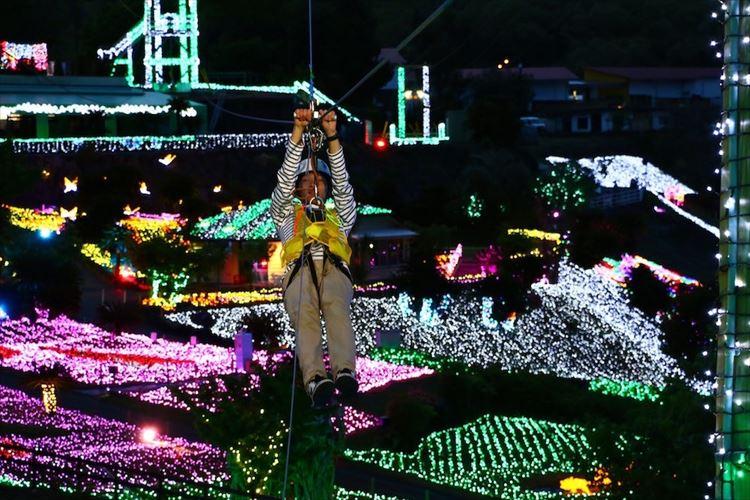 400万球の光の上をジップラインで!日本初の体験型イルミネーション「グランイルミ」が超楽しそう