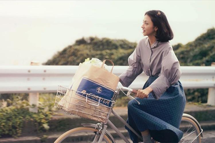 家事をする満島ひかりにキュン♡新しい暮らしで幸せを見つけていく動画が素敵