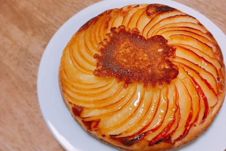 フライパン1つで超簡単!見た目もオシャレなタルトタタン風ケーキを作る人、続出中!