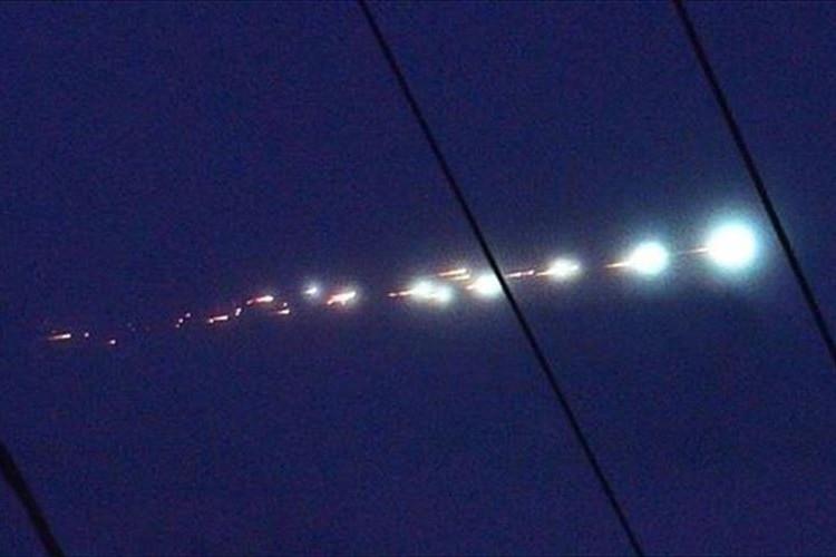 東日本の各地で目撃された「火球」が話題に! 上空で光りながら分裂していた!?