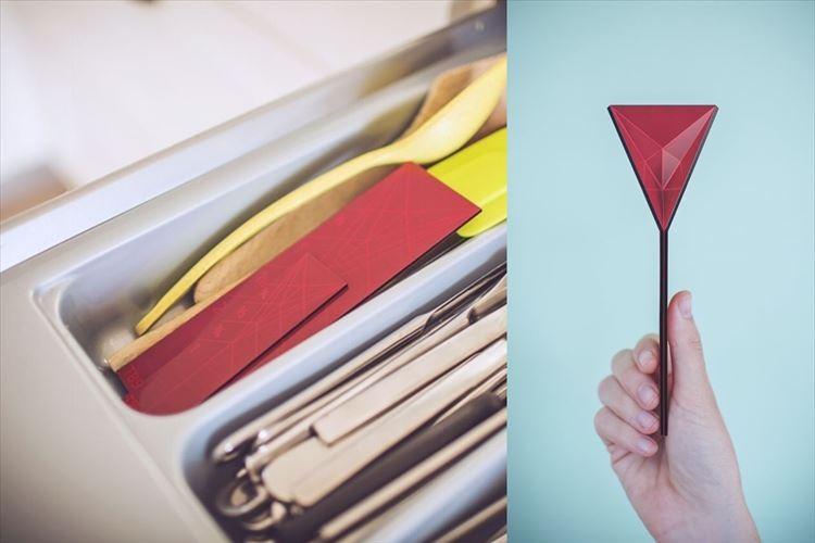 """【画期的】指でつまむと""""平らな板が折り紙のように変形""""して計量スプーンに!"""