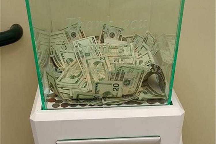 動物保護施設に匿名で大金が寄付されていた! …その後も優しさが連鎖して驚きの展開に