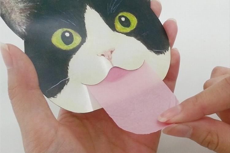 """""""猫の舌のしまい忘れ""""をモチーフにした「あぶらとり紙」引き出すたびにニンマリしちゃいそう"""