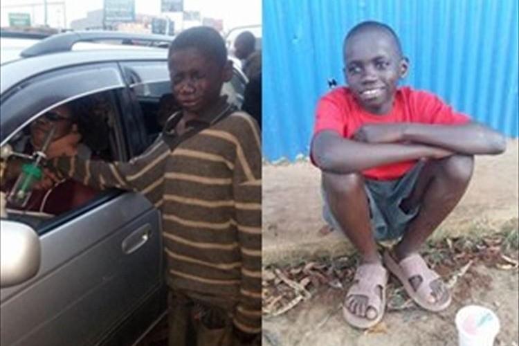 路上生活の少年が号泣しありったけのお金を差し出す理由に世界中が心動かされる