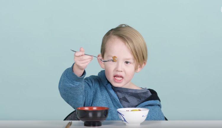 吐き出しちゃうほどマズい!?アメリカの子どもに納豆ごはんなど「和食ど真ん中」を食べさせた結果...