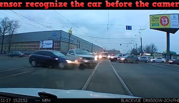 テスラの自動運転がすごい!人間にも予測できない事故を予測し回避する映像