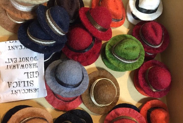 可愛すぎだろ…本物の帽子と同じ作り方で作るミニチュア帽子がとってもキュート