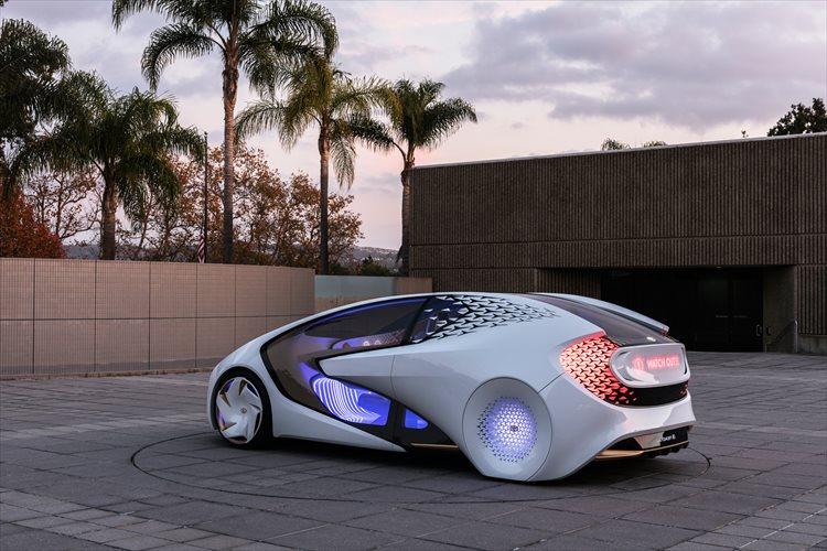 人と車の関係がより親密に…人工知能によりドライバーを理解! トヨタが未来のコンセプトカーを公開!