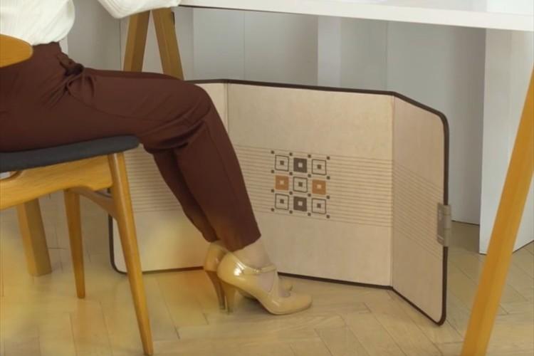 「サイズがちょうどよくて収納も便利」折り畳み式デスクヒーターが今年も人気!
