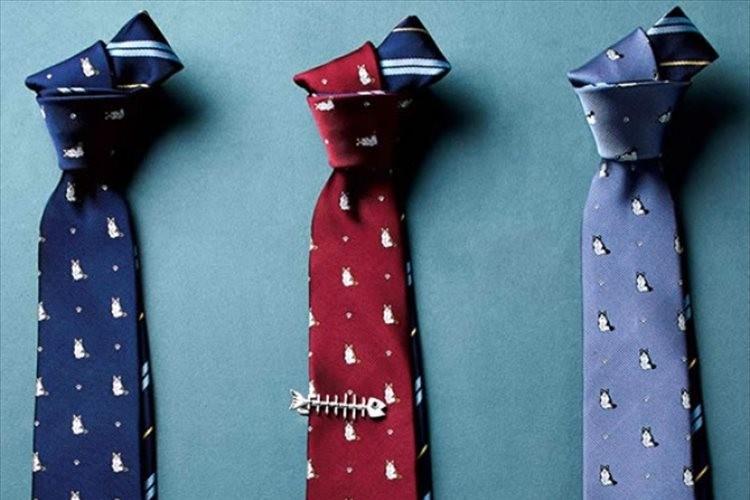 猫好きの男性に! 猫柄とストライプ柄のリバーシブルネクタイがプレゼントにも最適!