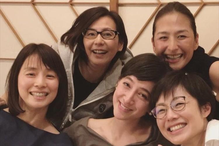 石田ゆり子の豪華な女子会メンバーに反響!「このメンバーは…面白すぎました」
