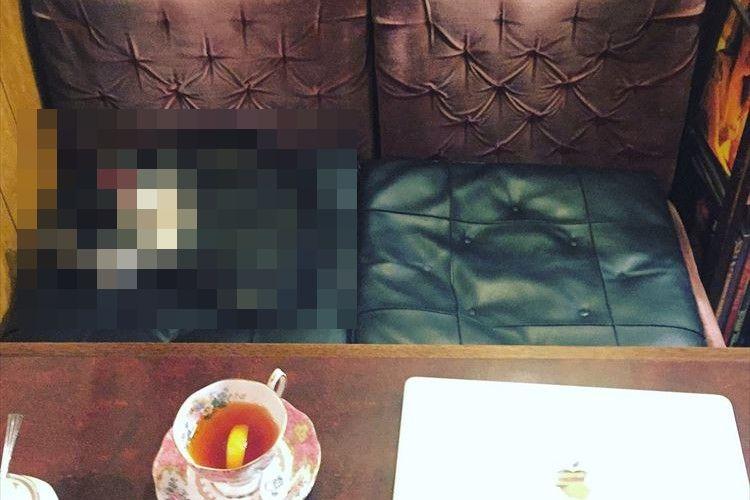 「相席でも良いですか…?」喫茶店で案内された席の相手が最高すぎると話題に!